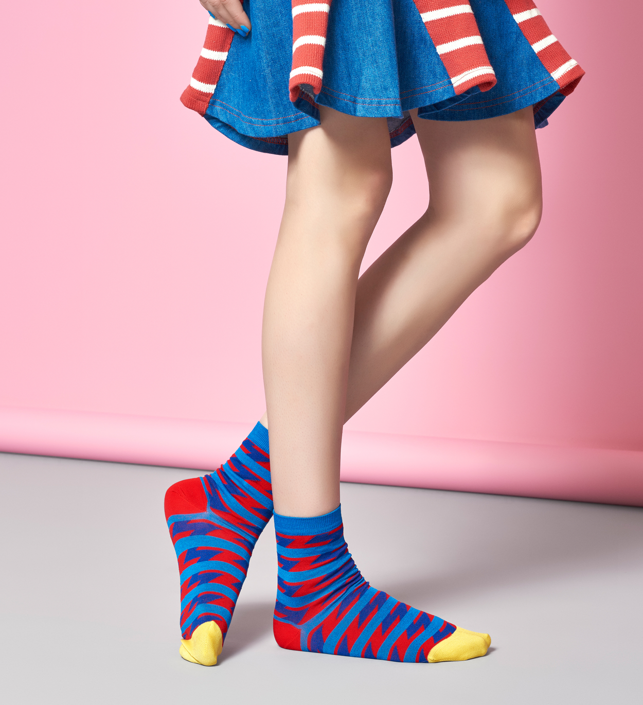 Women's Ankle Socks: Ray - Red & Blue   Hysteria